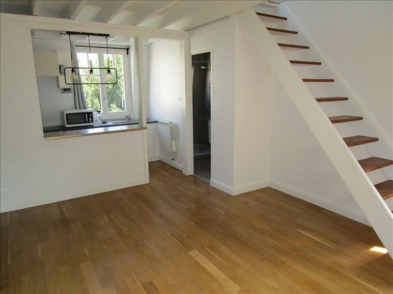 Rental apartment Le vesinet 950€ CC - Picture 1