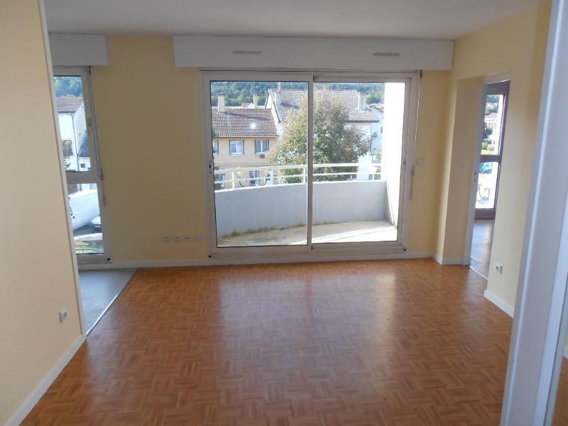 Rental apartment Bellignat 425€ CC - Picture 1
