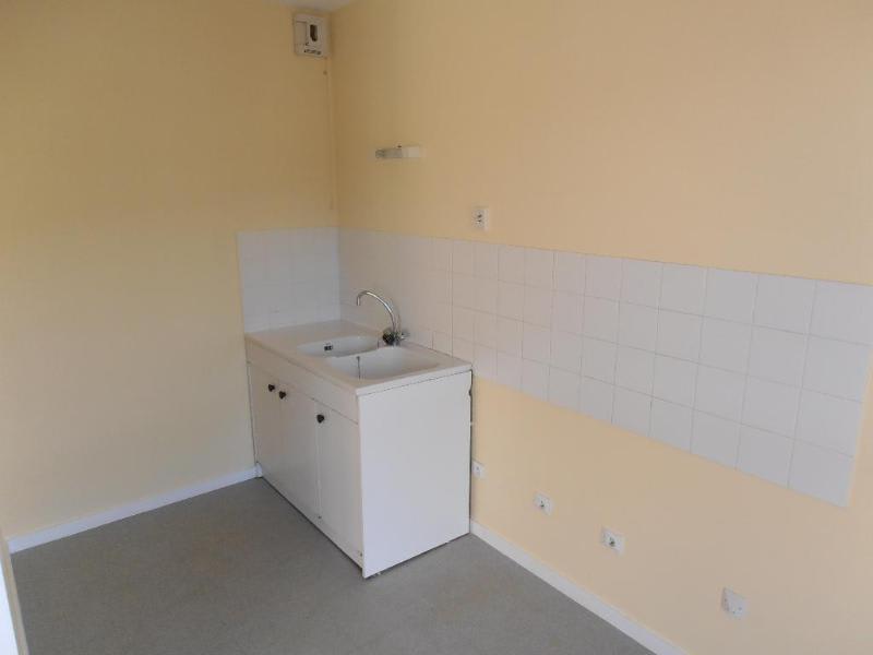 Rental apartment Bellignat 425€ CC - Picture 2
