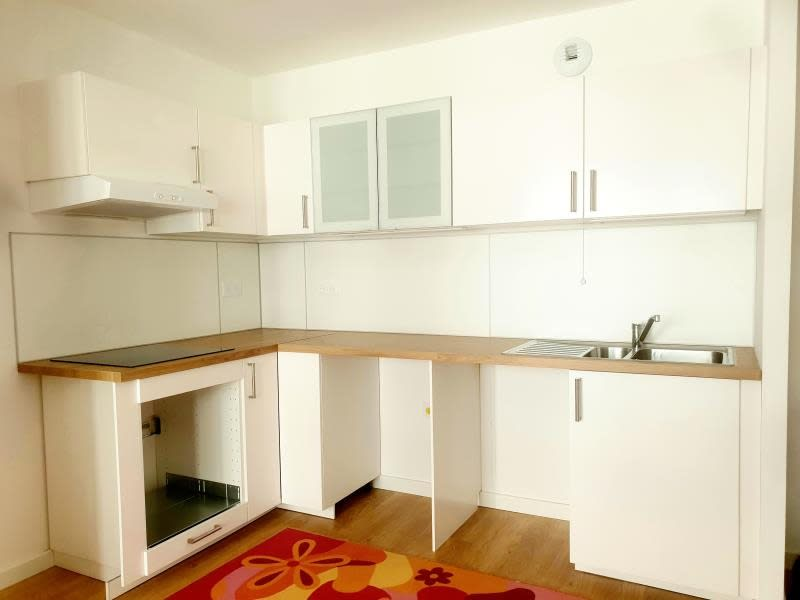 Rental apartment Velizy villacoublay 1014€ CC - Picture 1