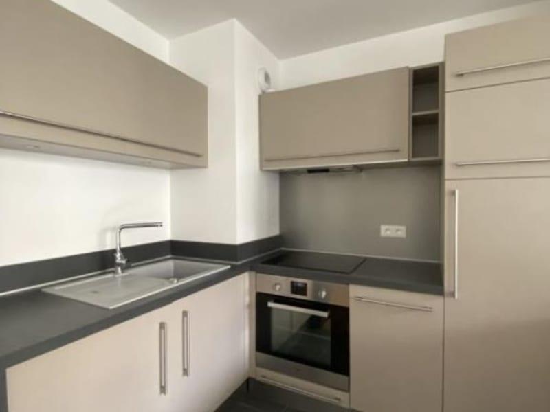 Rental apartment Noisy le roi 710€ CC - Picture 3