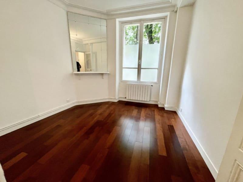 Location appartement Paris 16ème 1885€ CC - Photo 5