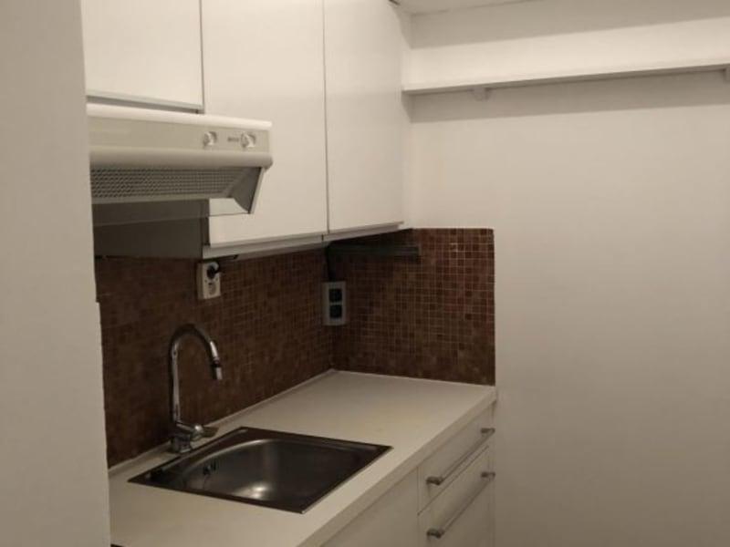 Rental apartment Paris 14ème 854€ CC - Picture 1