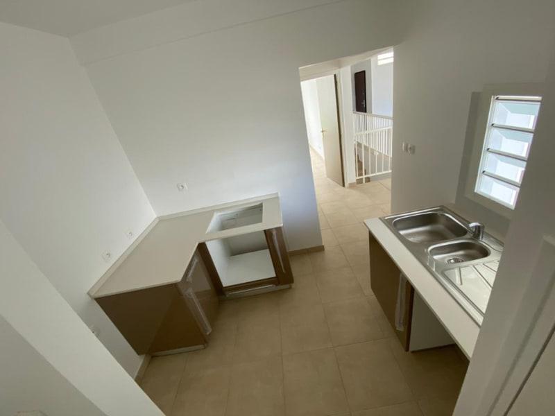Location maison / villa Riviere pilote 838€ CC - Photo 2