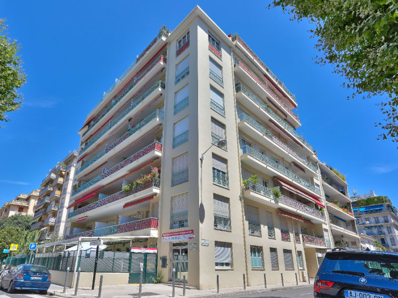 Sale apartment Nice 645000€ - Picture 2