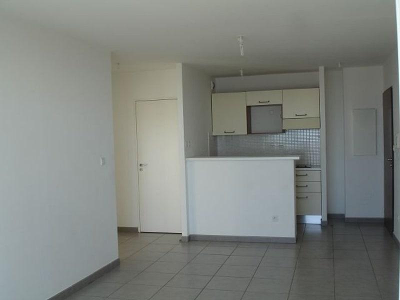Location appartement Ste clotilde 590€ CC - Photo 3