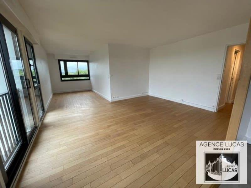 Rental apartment Verrieres le buisson 1210€ CC - Picture 1
