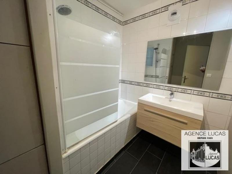 Rental apartment Verrieres le buisson 1210€ CC - Picture 4