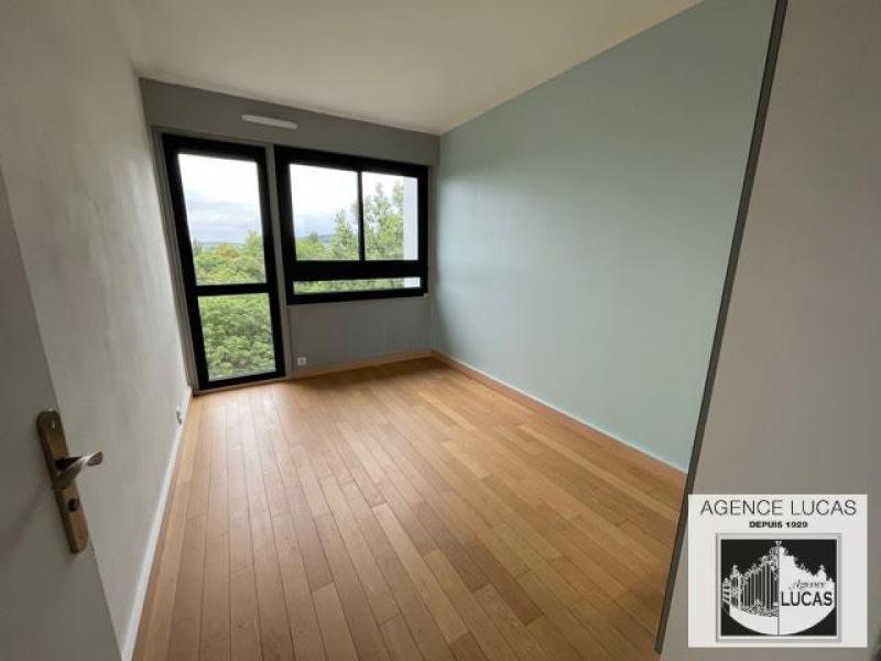 Rental apartment Verrieres le buisson 1210€ CC - Picture 5