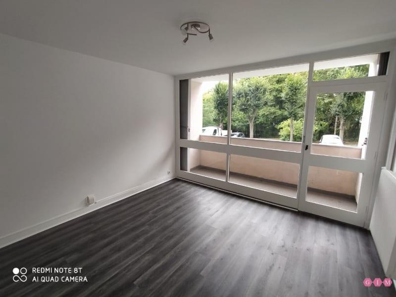 Location appartement Poissy 640€ CC - Photo 2