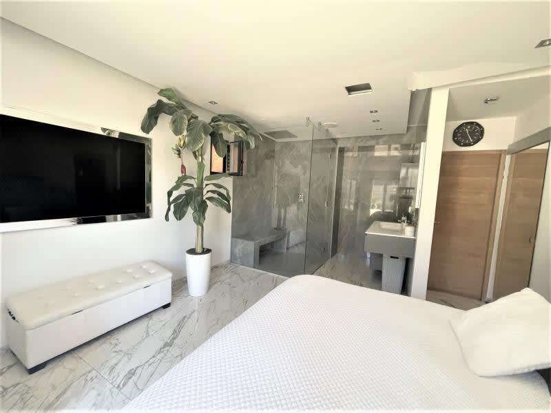 Deluxe sale house / villa La ciotat 840000€ - Picture 4