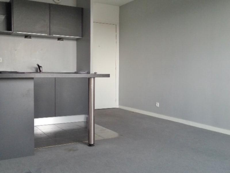 Rental apartment Combs la ville 615€ CC - Picture 2