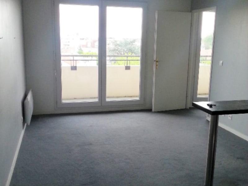 Rental apartment Combs la ville 615€ CC - Picture 3