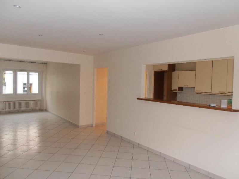 Location appartement Oyonnax 561€ CC - Photo 1
