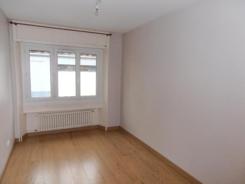 Location appartement Oyonnax 561€ CC - Photo 3
