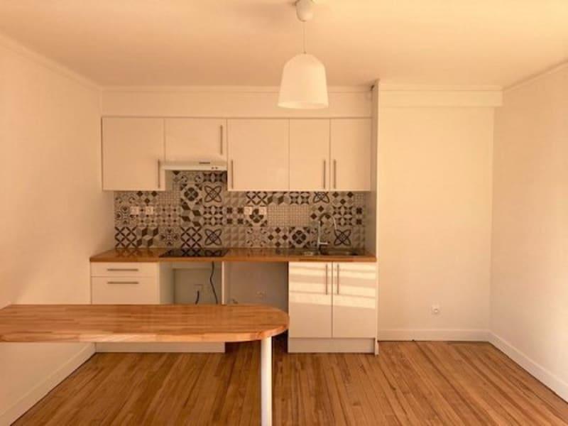Rental apartment Bu 1050€ CC - Picture 1
