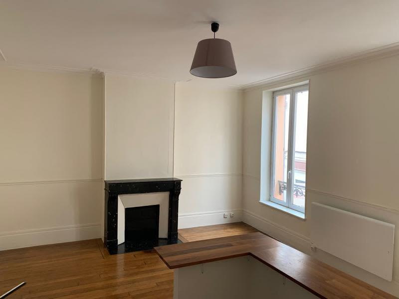Rental apartment St germain en laye 1075€ CC - Picture 1