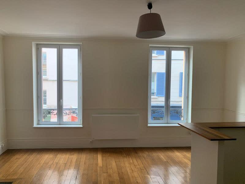 Rental apartment St germain en laye 1075€ CC - Picture 2