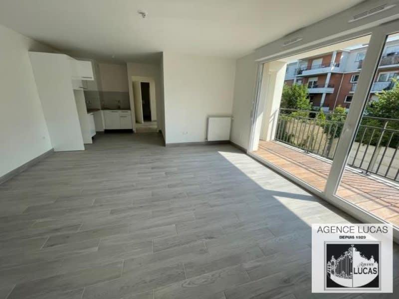 Rental apartment Villemomble 1260€ CC - Picture 2