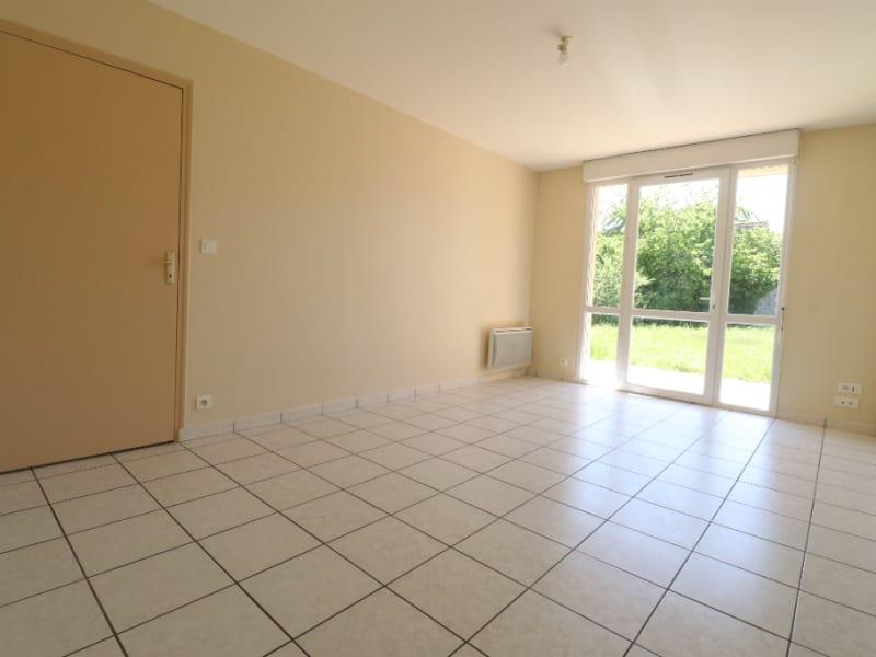 Rental apartment Courville sur eure 590€ CC - Picture 1