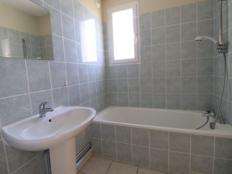 Rental apartment Courville sur eure 590€ CC - Picture 4