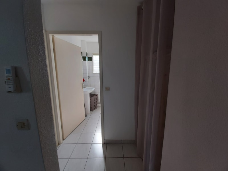 Location appartement Le gosier 750€ CC - Photo 5