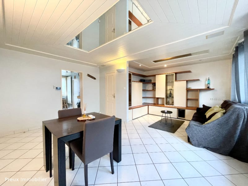 Sale apartment Annecy 325000€ - Picture 1