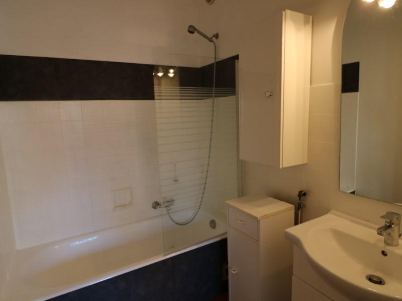 Location appartement Bonneville 770€ CC - Photo 5