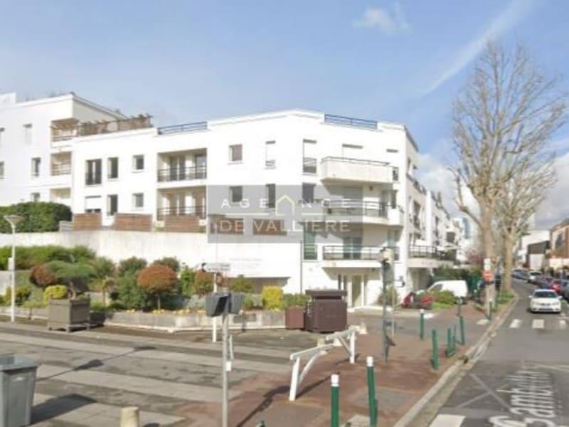Rental apartment Suresnes 1225€ CC - Picture 1