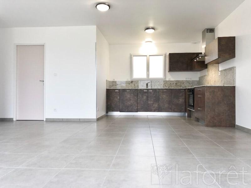 Rental house / villa Saint andre le gaz 1300€ CC - Picture 2