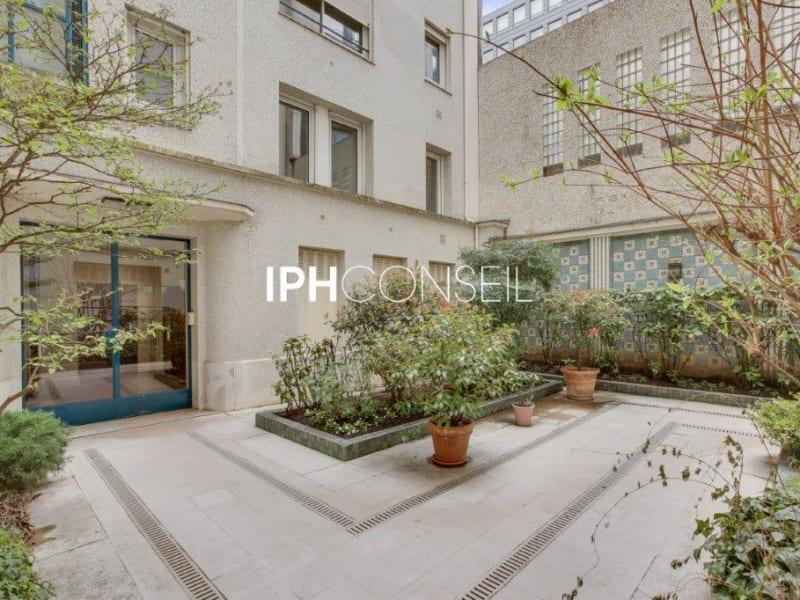 Sale apartment Paris 8ème 850000€ - Picture 11