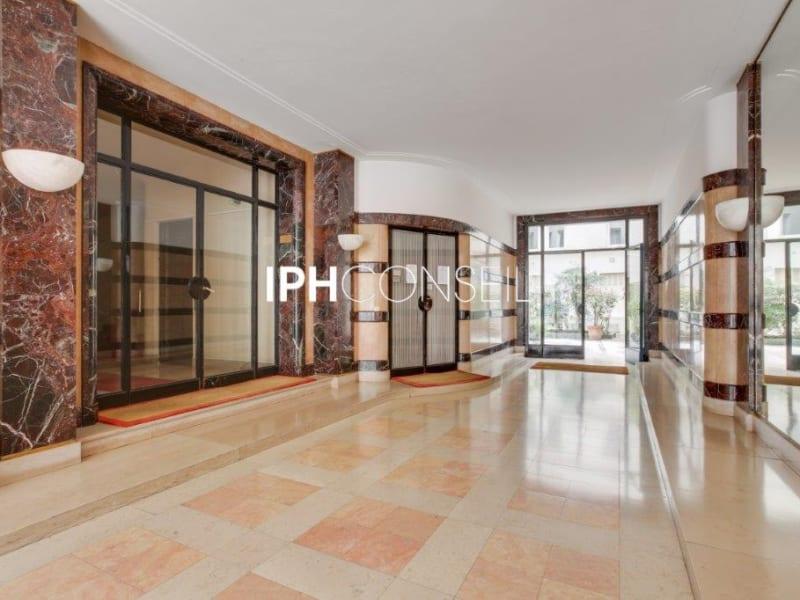 Sale apartment Paris 8ème 850000€ - Picture 12