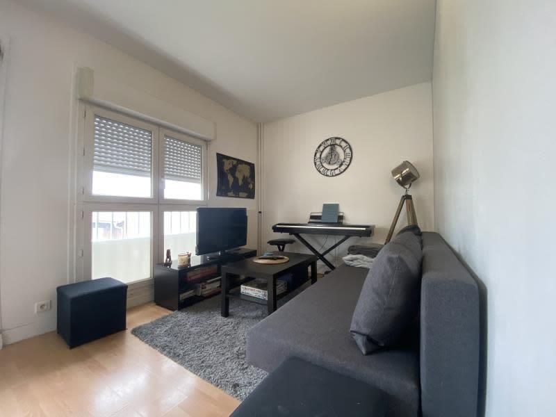 Location appartement Asnieres sur seine 885€ CC - Photo 2