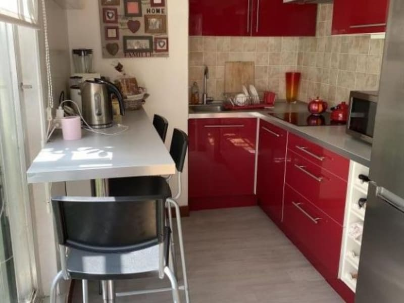Sale apartment Courbevoie 262000€ - Picture 2