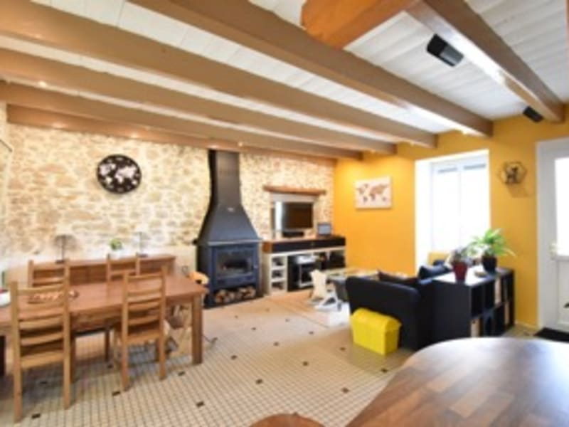 Rental house / villa Chemere 780€ CC - Picture 1