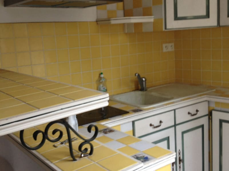 Location appartement Montlhery 454€ CC - Photo 1