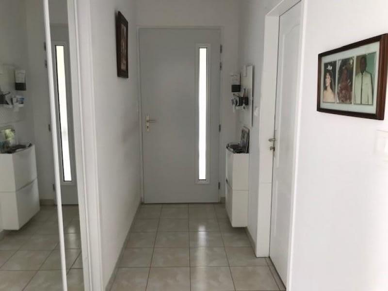 Sale house / villa Lapouyade 301000€ - Picture 2