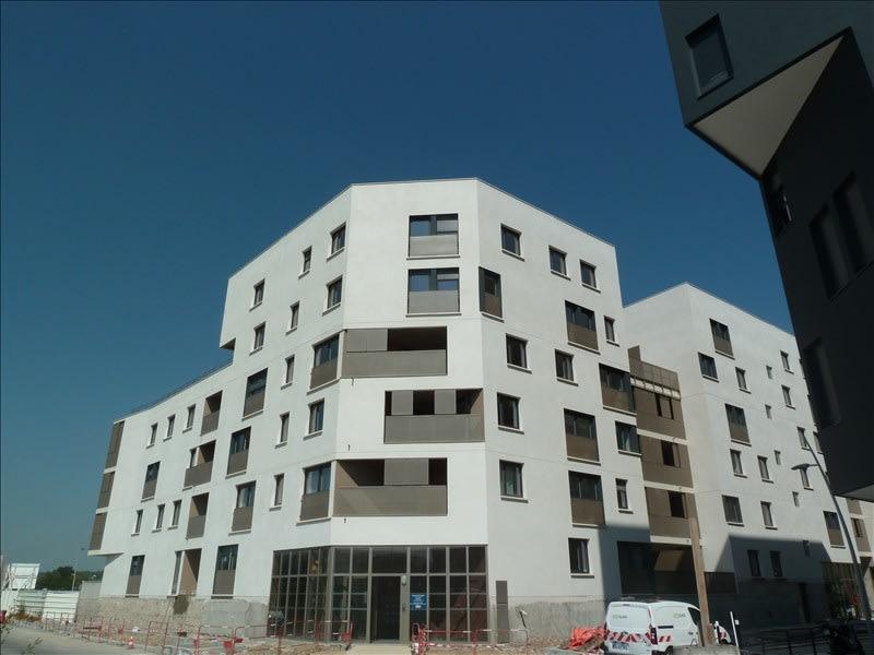 Rental apartment Carrieres sous poissy 761,23€ CC - Picture 1