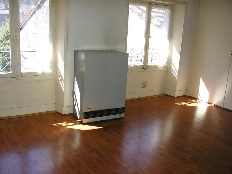 Location appartement Nantua 343€ CC - Photo 1