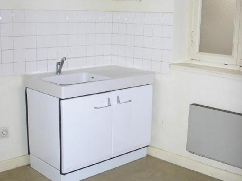 Location appartement Nantua 343€ CC - Photo 2