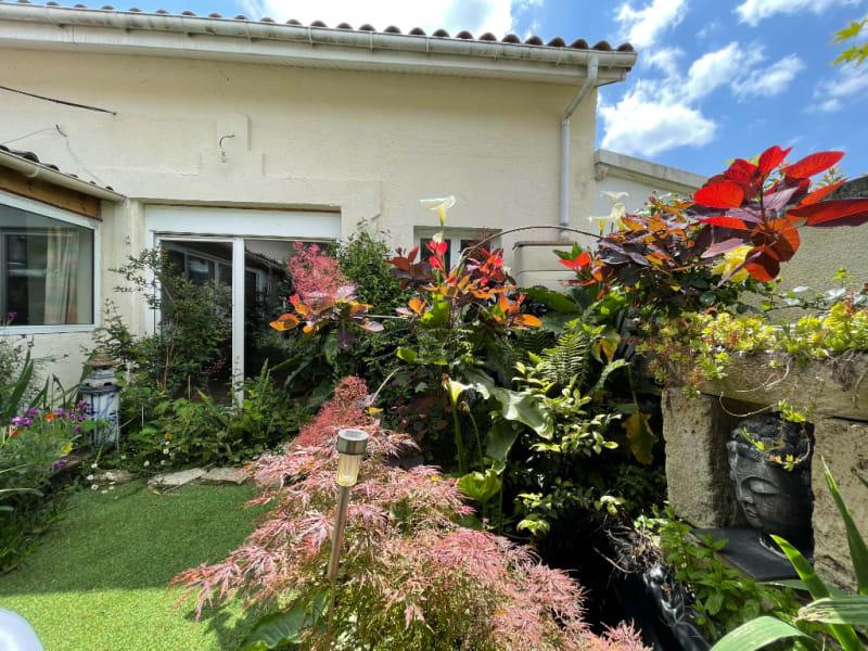 Maison avec jardin et garage