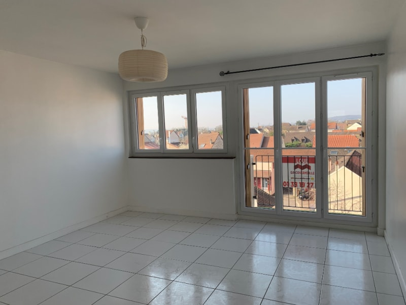 Rental apartment Conflans ste honorine 927€ CC - Picture 2