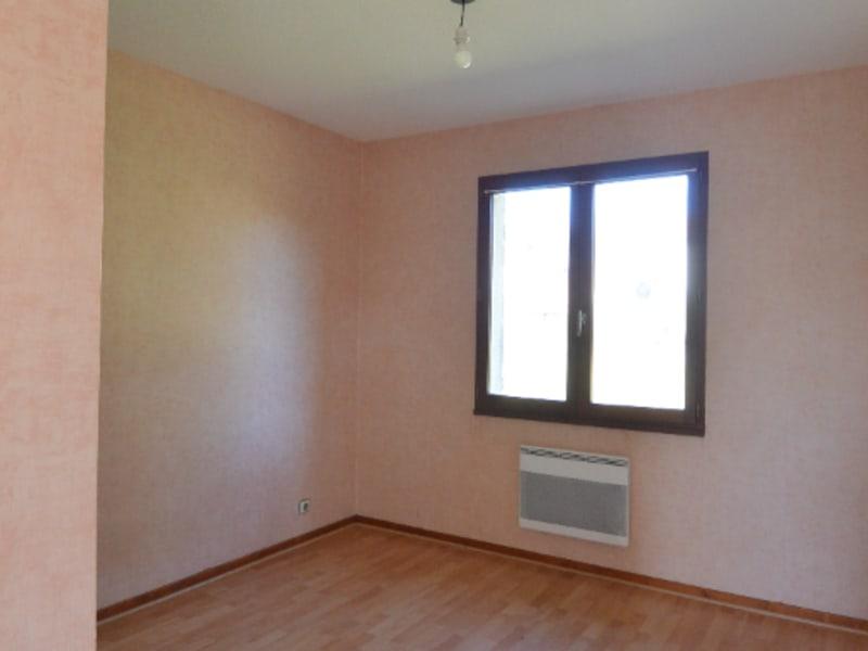 Rental house / villa Izon 722€ CC - Picture 3