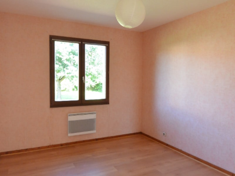 Rental house / villa Izon 722€ CC - Picture 4