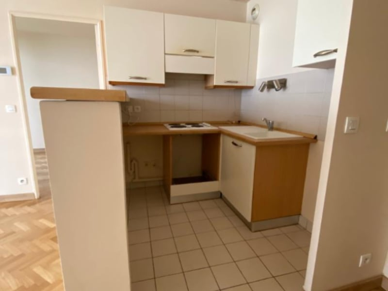 Rental apartment Courbevoie 1300€ CC - Picture 4