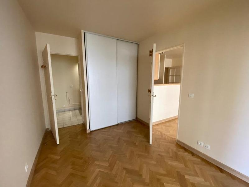 Rental apartment Courbevoie 1300€ CC - Picture 5
