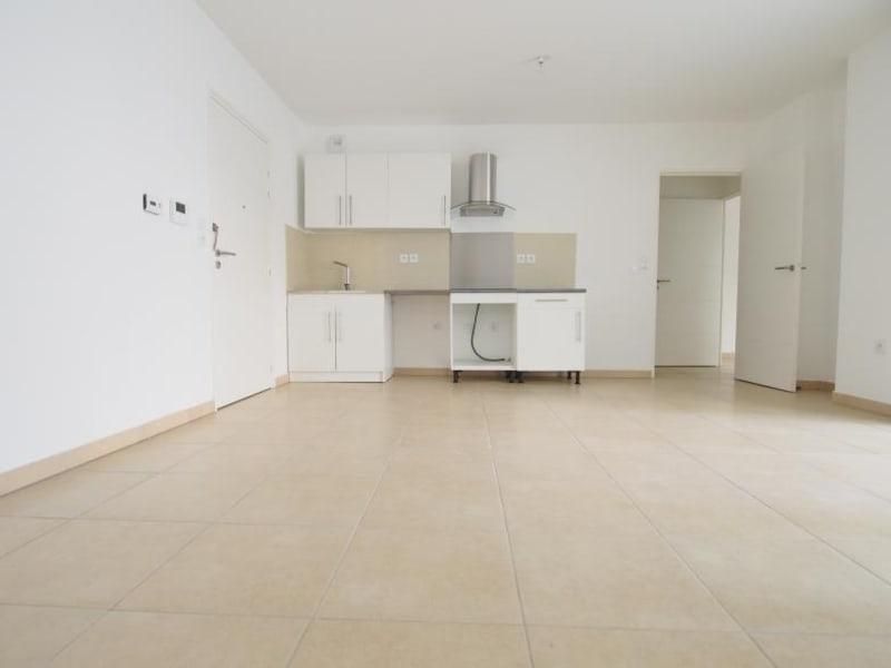Rental apartment Marseille 2ème 756,40€ CC - Picture 2