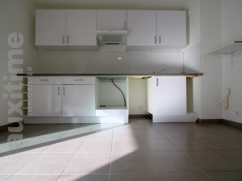 Rental apartment Marseille 10ème 715€ CC - Picture 4