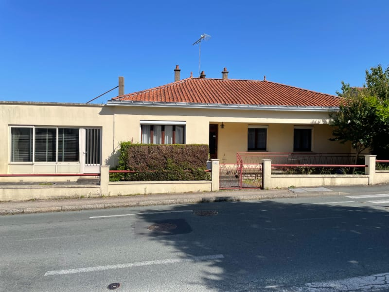 Sale house / villa La gaubretiere 194000€ - Picture 1