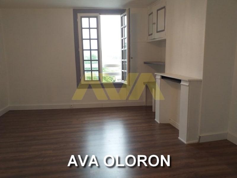 Rental apartment Oloron-sainte-marie 370€ CC - Picture 1